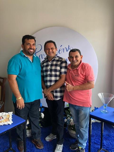 Moisés Brasil comemora aniversário com familiares e amigos em São Raimundo do Doca Bezerra