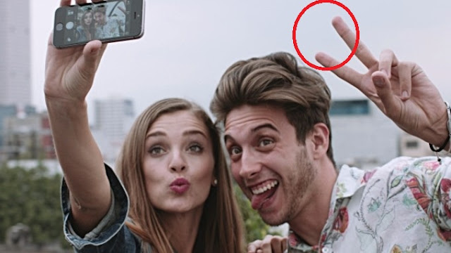 Awas Selfie Dengan Telapak Jari Menghadap Kedepan Berbahaya, Mengapa ?