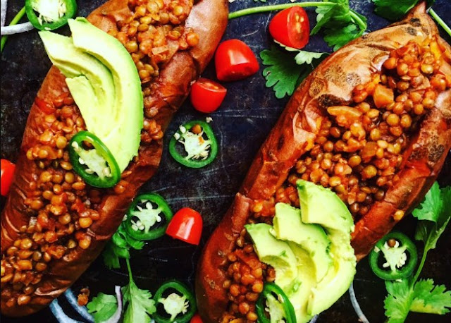 Smoky Lentil Stuffed Sweet Potatoes #vegetarian #dinner