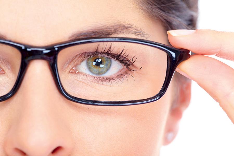 ومن أهم أسباب ضعف النظر وماهي طريقة العلاج