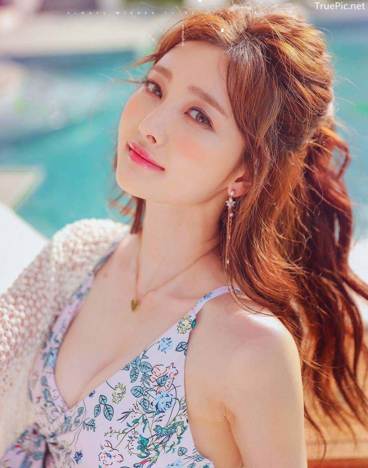 Korean lingerie queen Kim Hee Jeong - Floral Blue Monokini Swimsuit Set - Picture 6