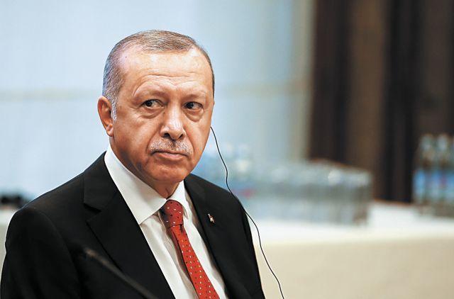 Ερντογάν κατά Μητσοτάκη: Κάλεσε στην Αθήνα τον Χαφτάρ για να μας προκαλέσει