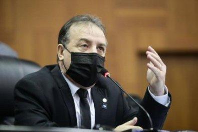 Deputado espalha fake sobre mortes por Covid