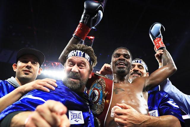 Maurice Hooker wins WBO belt
