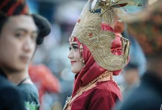 Pakaian adat Lampung Peminggir