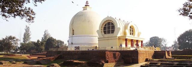 India travel - peaceful days on immense Buddha land