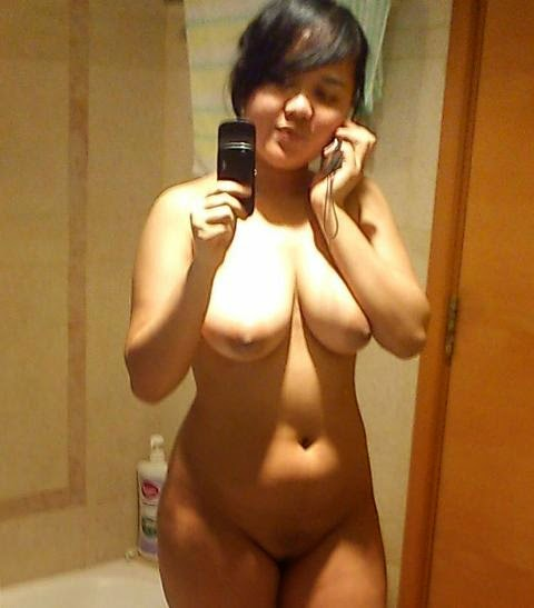 Indo big tits girl photo