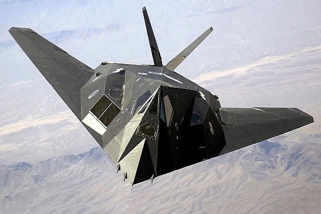 الشبح الامريكية F-117 Nighthawk