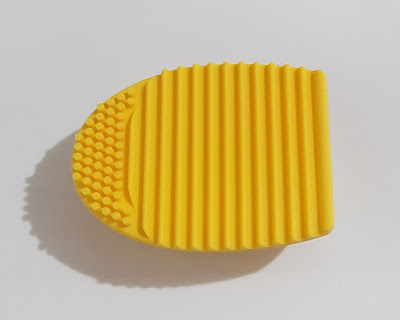 Alfombrilla limpiadora de brochas y pinceles