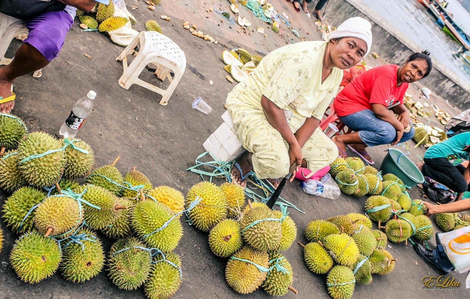 Banjir durian di Ambon | Sumber: Maluku Manise