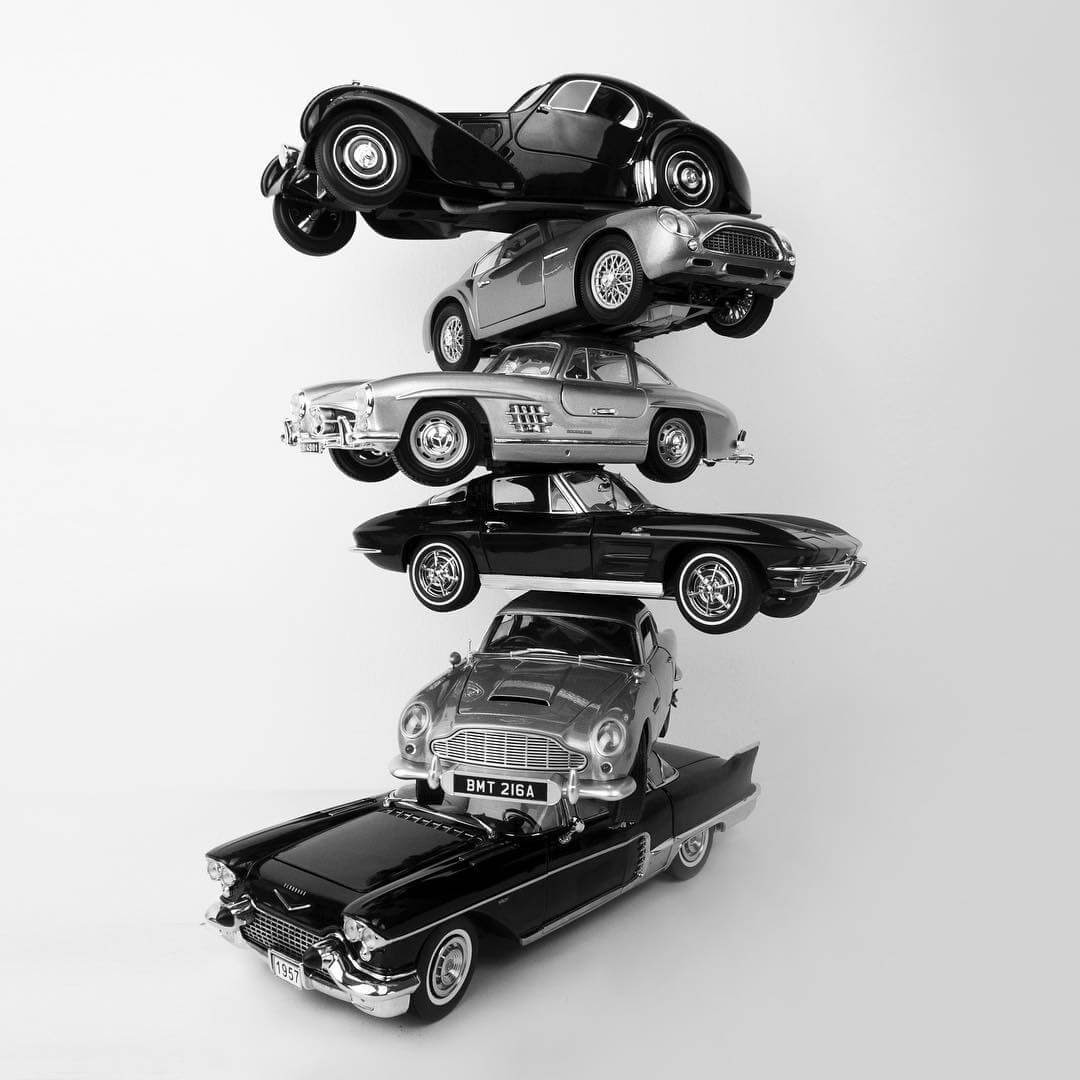 11-Vintage-Cars-Alessandro-Paglia-Drawings-www-designstack-co