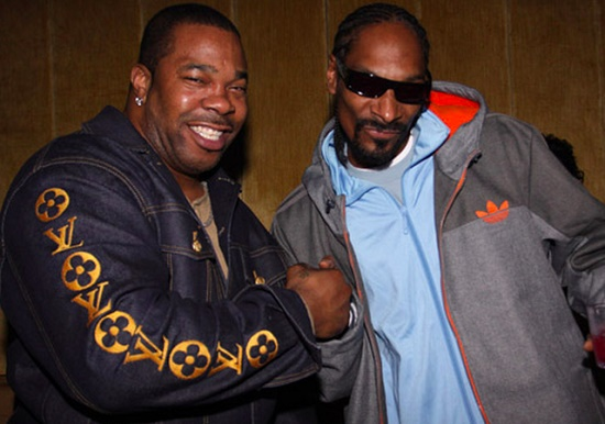 Snoop Dogg - Powder On My Clothes (Feat. Busta Rhymes & Stresmatic)