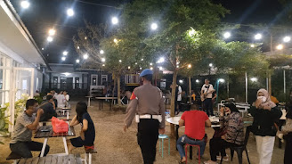 Gabungan TNI POLRI Lakukan Penindakan Terhadap Pengusaha yang Tidak Mematuhi Protokol Kesehatan