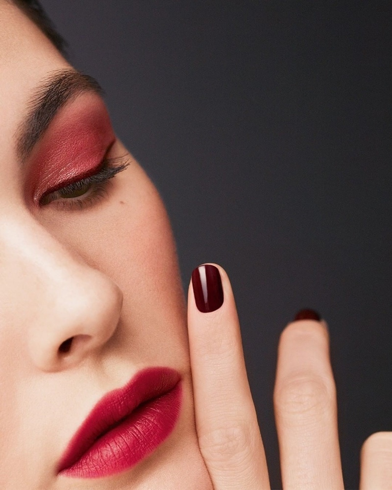 Chanel Makeup launches fall-winter 2020 campaign.
