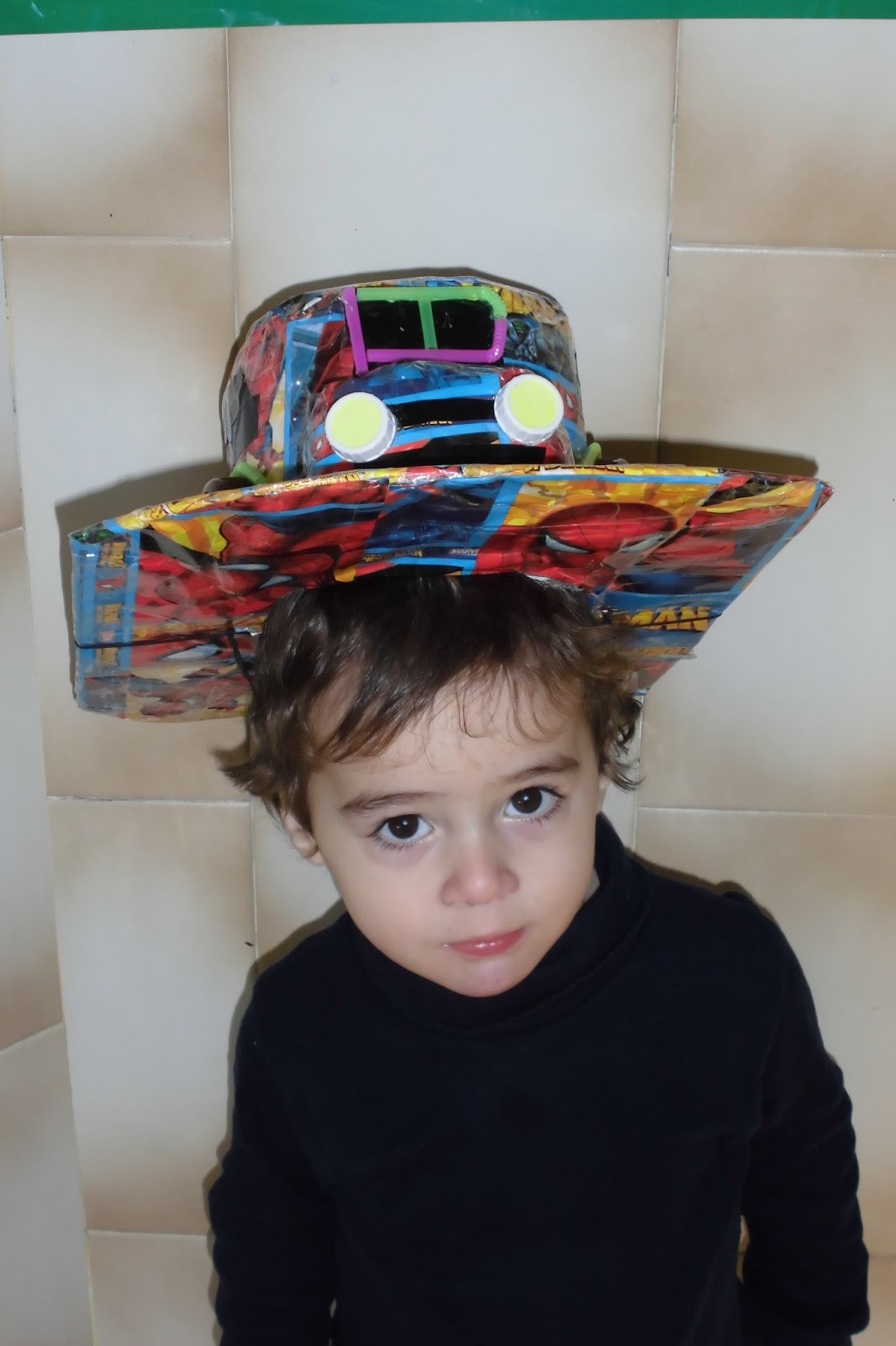 0b33270fc33aa Todos los sombreros fueron muy originales y divertidos