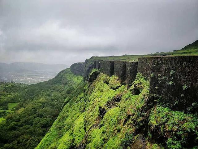 About-visapur-fort-trek-lonavala-pune-history-information-hindi