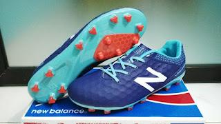 Sepatu Bola New Balance Baltik