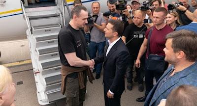 """Україна й Росія обміняли ув'язнених за формулою """"35 на 35"""""""