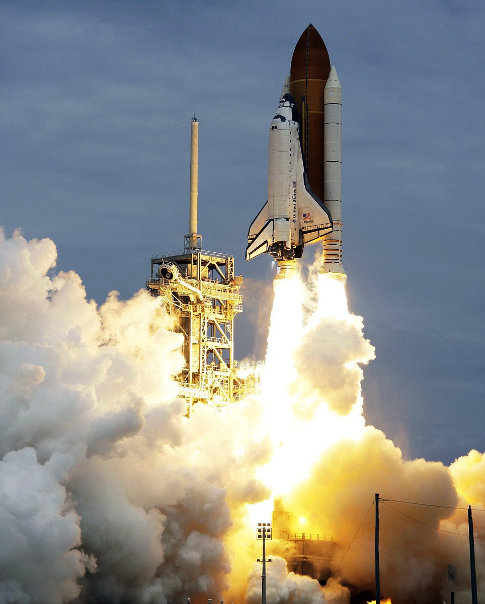 NASA Space Shuttle Atlantis Final Launch at Kennedy Space ...