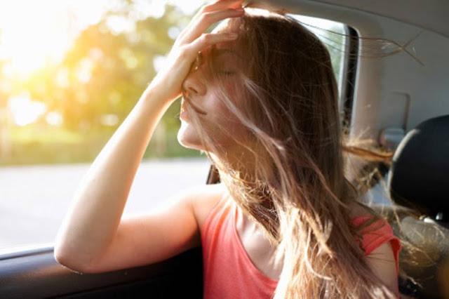 यात्रा के दैरान होती है सिर दर्द या उलटी तो अपनायें ये नुस्खे