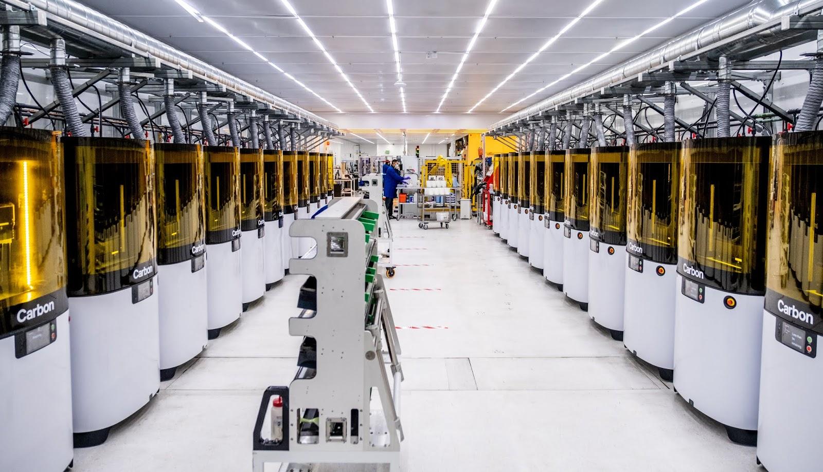 Adidas y Carbon abordan la escasez de equipos de seguridad médica con innovación 3D
