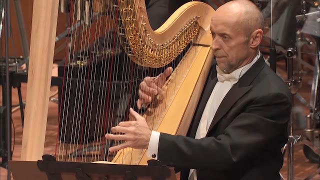 Mengenal Alat Musik dalam Orkestra versi Benjamin Britten - Blog Fisella - Harpa