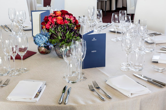 Panoramic Restaurant Ascot table setting