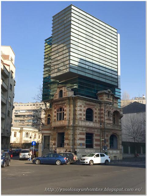 Edificio híbrido, y esto ¿Qué os parece?