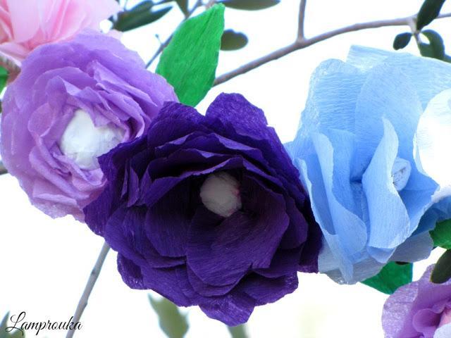 Πως να φτιάξεις χάρτινα λουλούδια για διακόσμηση.