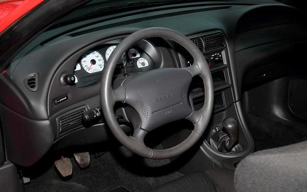 Interior Ford Mustang SVT Cobra R 2000