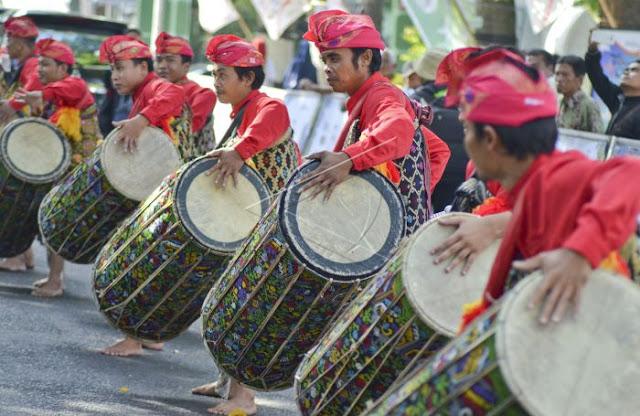 Gendang Belek - Budaya tradisi adat Lombok NTB.jpg