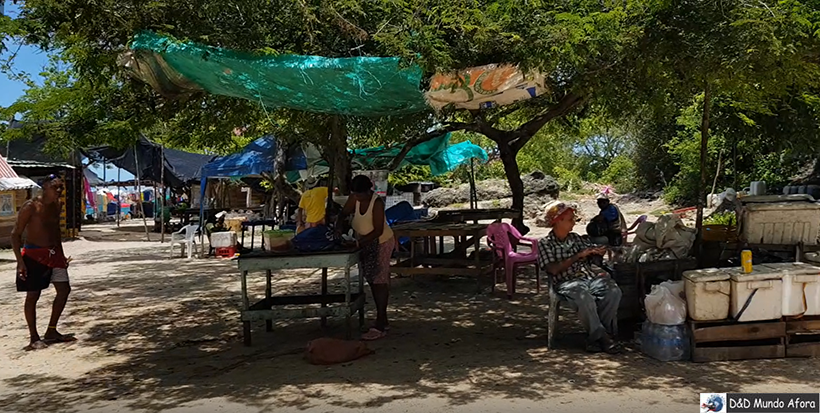 Bastidores da Playa Blanca: caribe colombiano em Cartagena
