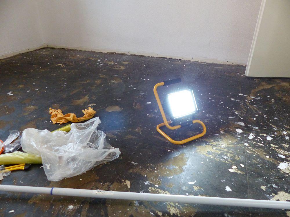 Licht ohne Strom mit dem LED-Fluter  ERDBEERCHENS TESTWELT