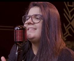 Yasmin Santos lança clipe de Saudade Nível Hard