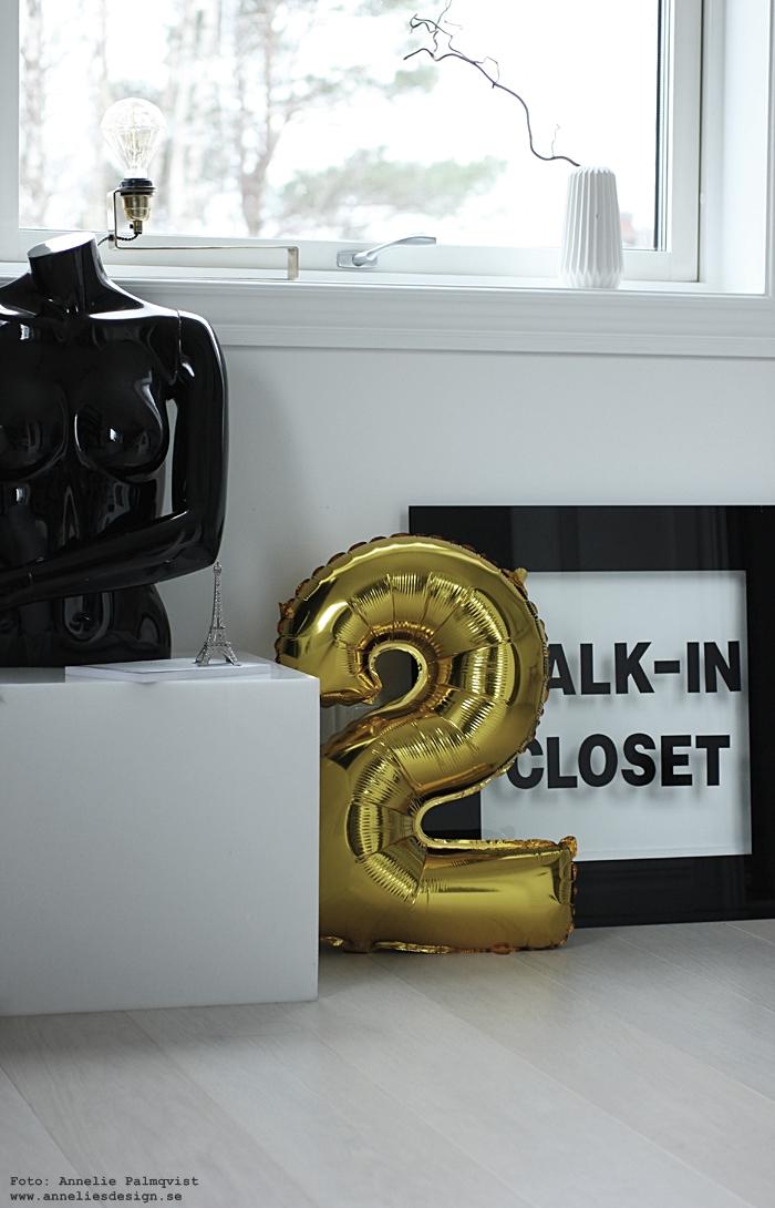 annelies design, webbutik, webshop, nätbutik, nettbutikk, nätbutiker, inredning, svart och vitt, svartvit, svartvita, skyltdocka, sifferballonger, ballong, ballonger, guld, silver, heliumballong, eiffeltorn prydnad, eiffeltornet,  helium, ballong, walk in closet,