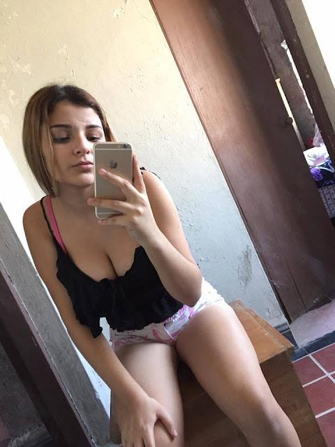 Rebeca putita de facebook - 1 1