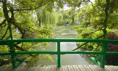 Kolam Lily di Taman Monet di Giverny Prancis
