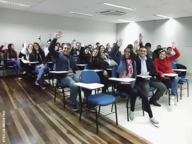 Alunos da ETEC DE REGISTRO  em VISITA TÉCNICA NA INFRAERO - Curitiba-PR