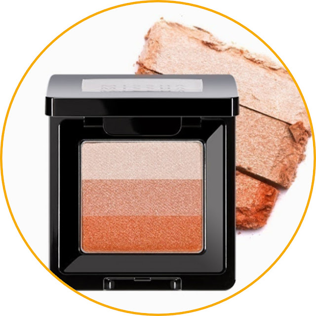 Missha Triple Shadow One color or gradation? determine yourself with your fingers. This product consists of three colors combined in one place. You can use the eyeshadow colors separately or use all three together to create a gradient look.  Apart from being an eyeshadow, some people also use this product as a substitute for highlighter. Then, for eyeshadow sizes that have different colors in one container, the packaging is very small. So, it fits into a small pouch or bag.