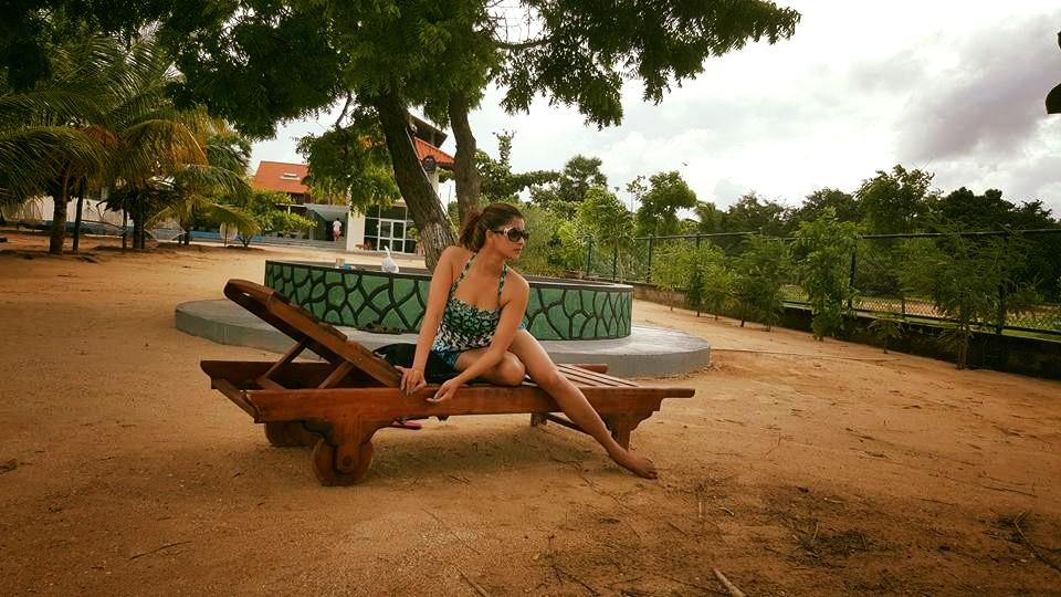 Hot  Sri Lankan actress Nadeesha Hemamali bikini