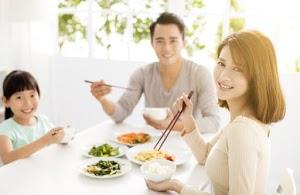 Tips Memberi Kesan Saat Makan Bersama Di Restoran