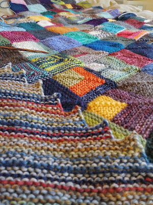 On the needles - a knitted blanket and a shawl