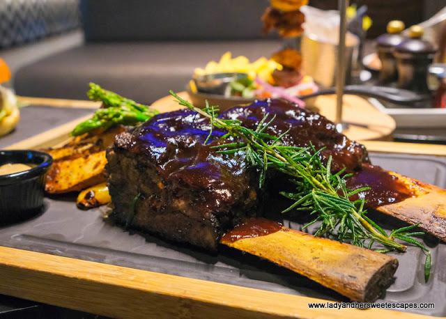 Barbecue back ribs in La Fabrique in Pullman Hotel Dubai