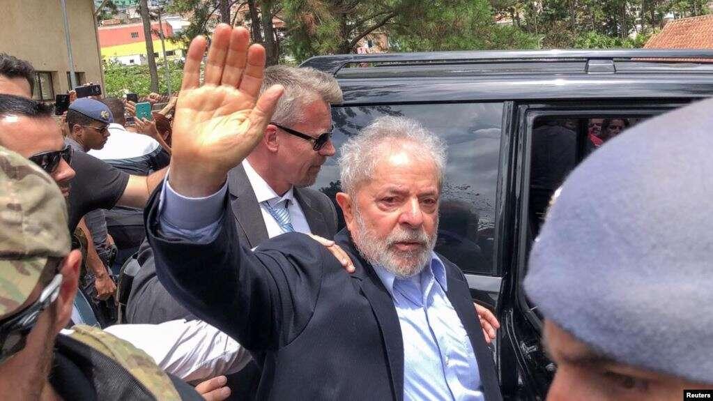 El expresidente de Brasil, Luiz Inácio Lula da Silva, se dirige al cementerio para asistir al funeral de su nieto de 7 años, en Sao Bernardo do Campo, Brasil, el 2 de marzo de 2019 / REUTERS