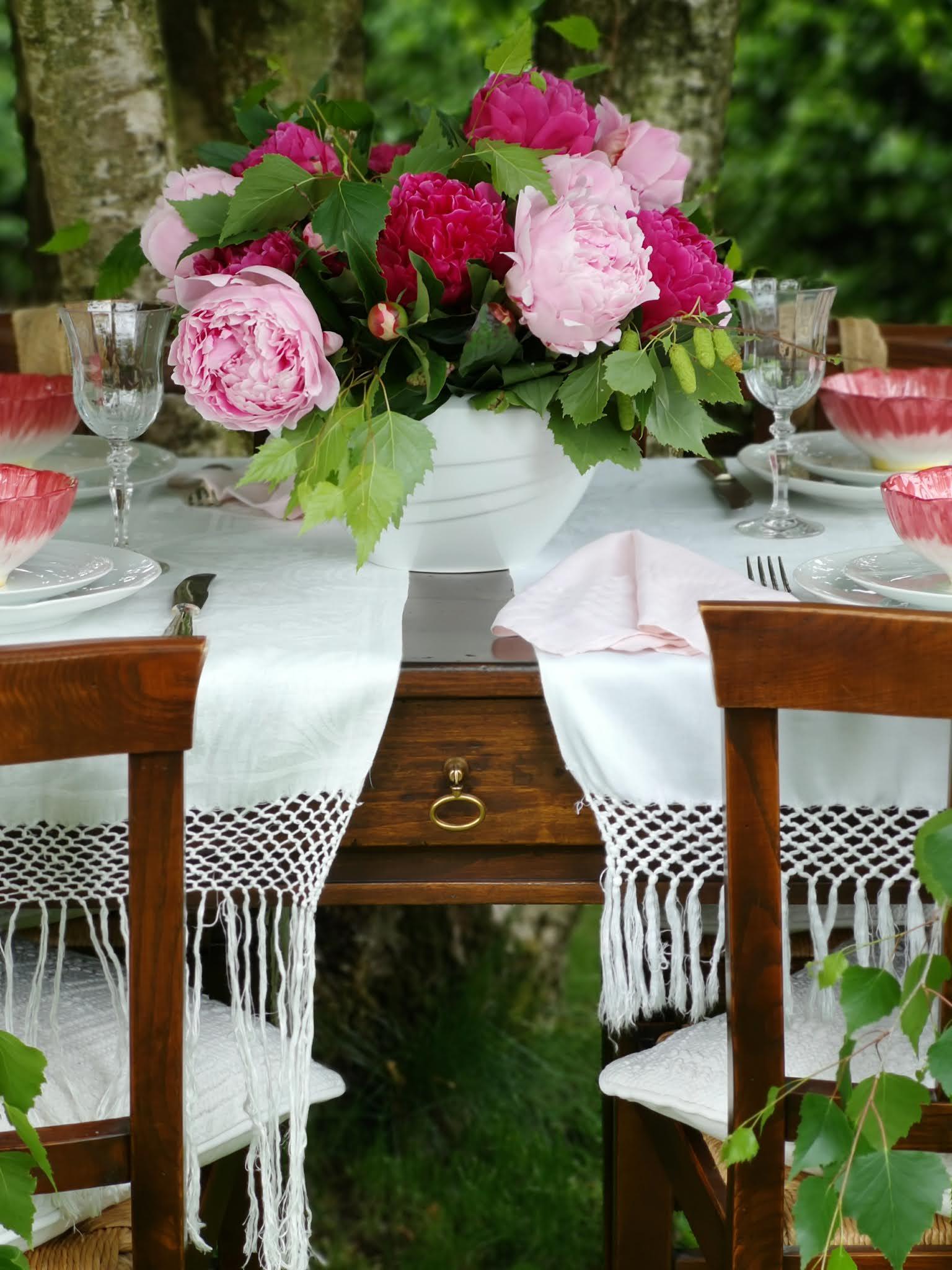 tavola estiva all'aperto