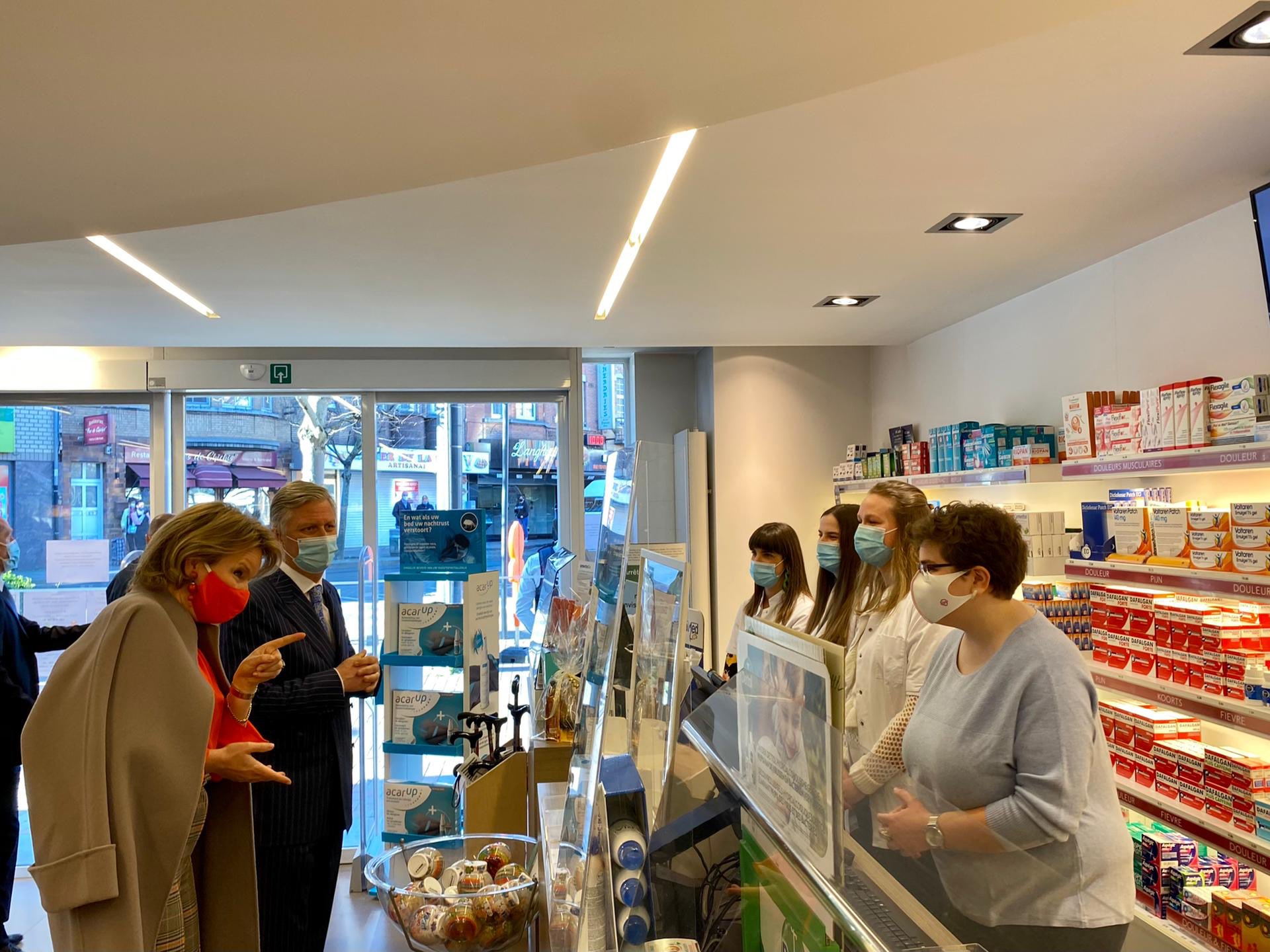 On Wednesday the King and Queen visited the Pharma Haelvoet pharmacy in Evere (Brussels-Capital Region).