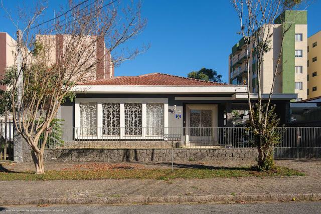 Casa em estilo modern na Rua Gabriela Mistral