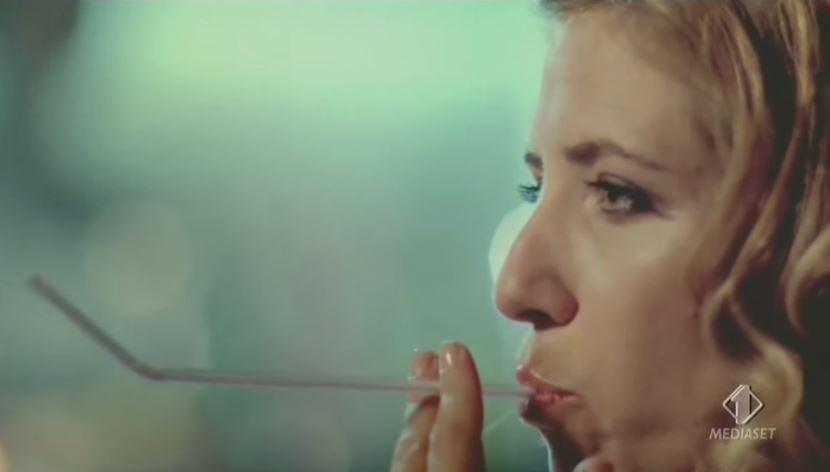 Pubblicità Nicorette quick riduce la voglia di fumare con Foto - Testimonial Spot Pubblicitario 2017