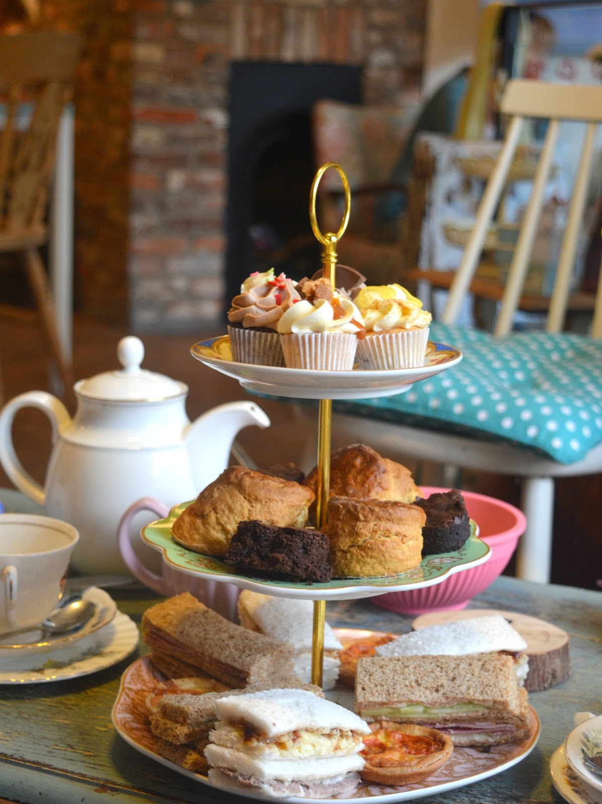 10 Reasons Why I LOVE Afternoon Tea
