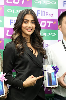 Pooja Hegde launches OPPO F11 Pro At Lot Mobiles
